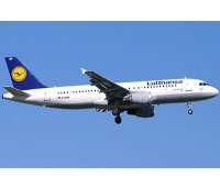 Revell Airbus A 320 `Lufthansa`  1:144