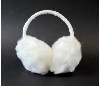 Karvased, soojad valged kõrvaklapid/kõrvasooendajad.